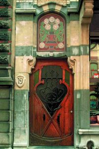 metal-wood-exterior-doors-vintage-style-antique-4