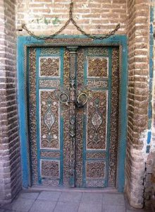 metal-wood-exterior-doors-vintage-style-antique-8
