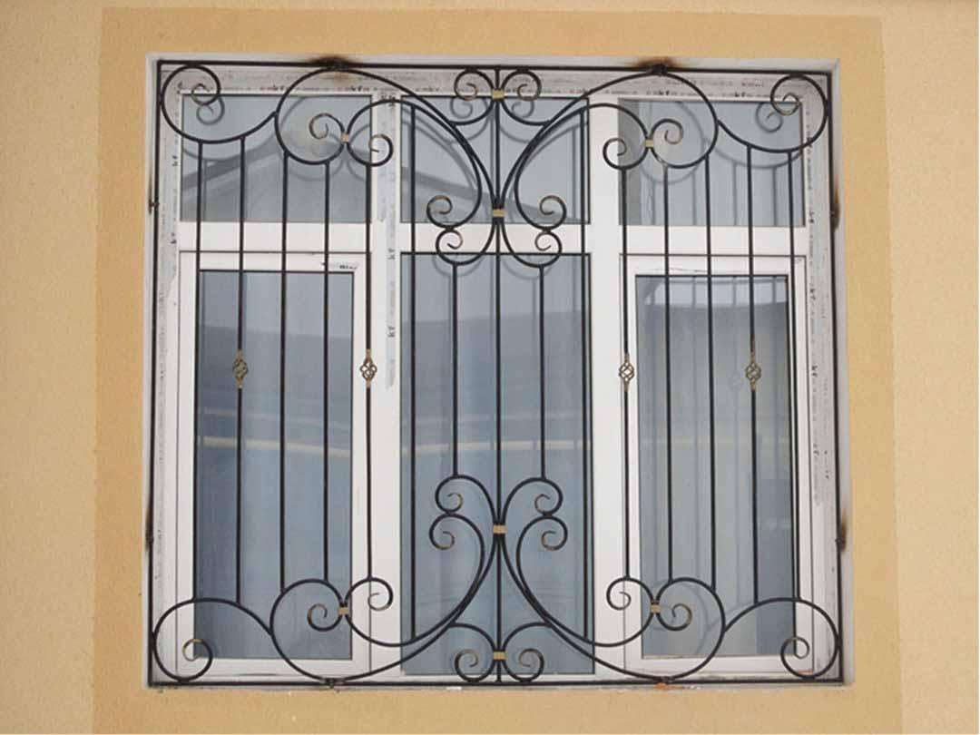 Решетка на окно прямая с фонариками
