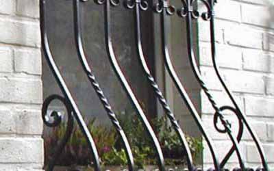 Сколько стоит поставить решетку на окно Киеве?