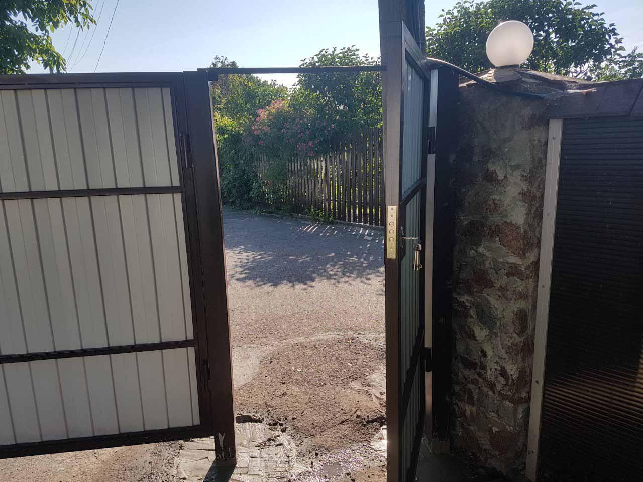 Ворота из профнастила для дачи с калиткой от 08.06.19