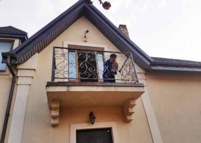 balkoni-perila-dlya-chastnogo-doma (1)