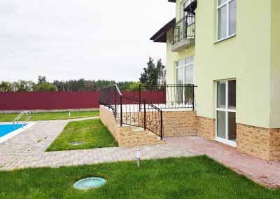 balkoni-perila-dlya-chastnogo-doma (11)