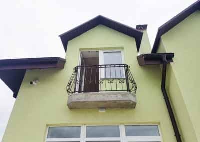 balkoni-perila-dlya-chastnogo-doma (13)