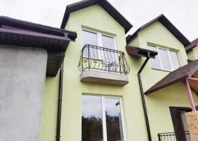 balkoni-perila-dlya-chastnogo-doma (14)