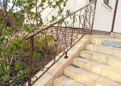 balkoni-perila-dlya-chastnogo-doma (7)