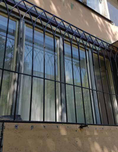 pryamaya-reshetka-na-okno-v-goticheskom-stile (4)
