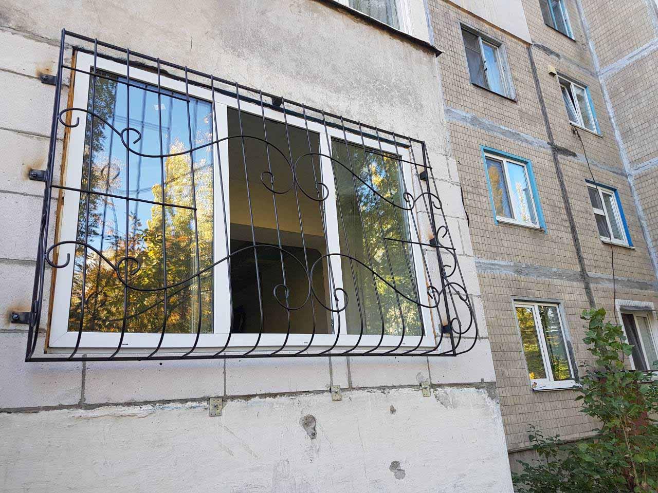 lukovichnaya_reshetka_na_okna_milutenko (1)
