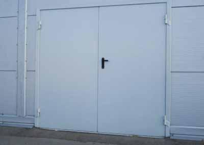 Ворота в гараж распашные