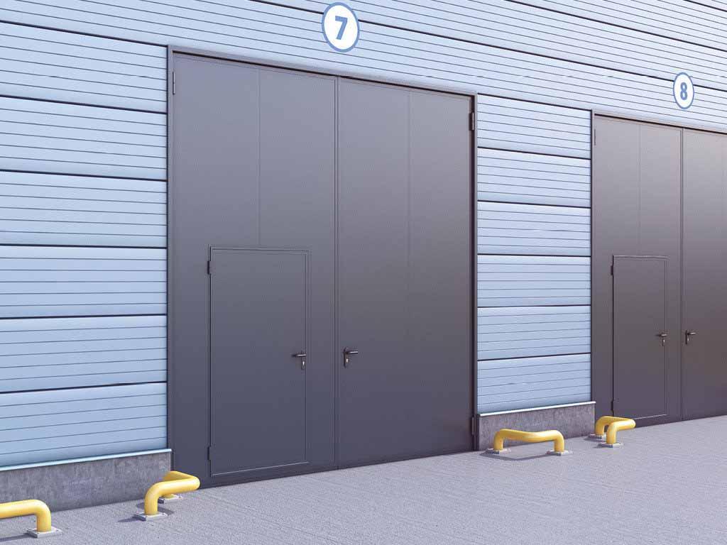 Высокие металлические ворота гаражные с калиткой