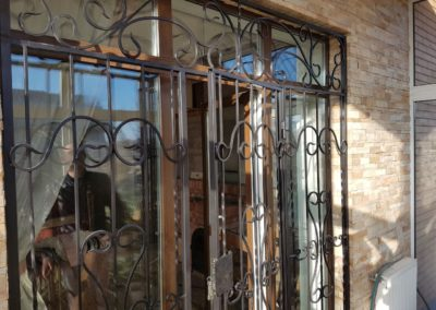 Решетки-двери на балкон открывающиеся от 03.12.2019 (артикул 31219)