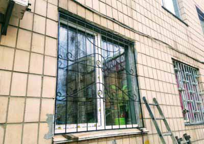 reshetki-na-okna-ekonom-klassa (1)